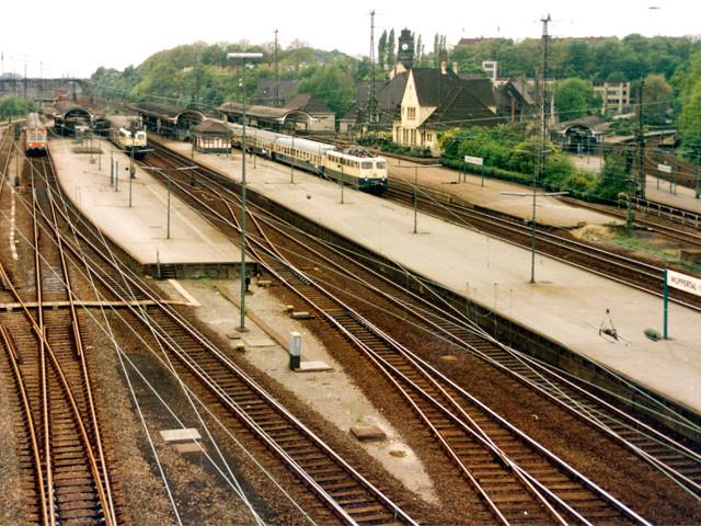 Unser Bahnhof – Blick vom Stellwerk zur langen Brücke  1980er Jahre