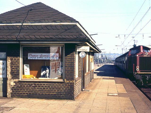 Unser Bahnhof – Friseur am Gleis 1970er Jahre- Foto Behrens